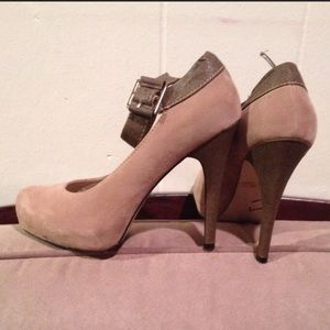 Penny loves Kenny taupe & brown high-heeled shoes.